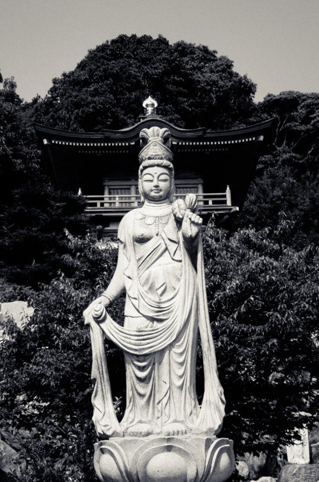 japanese-buddha-statue